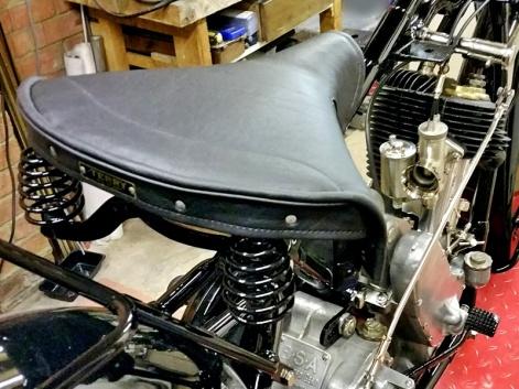 Saddle 800x600