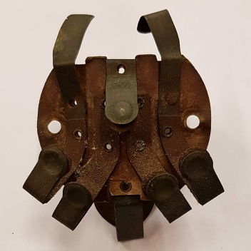 Sprung Brass Connectors of the Lucas H52 Headlamp Spider